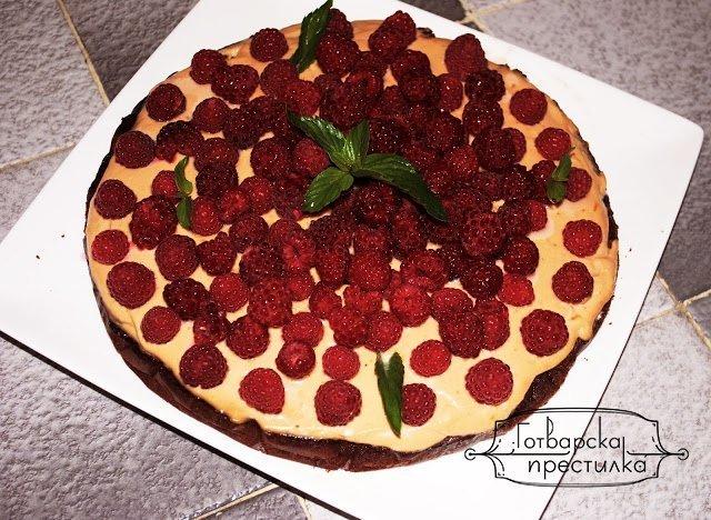 Шоколадова торта с рикота и малини