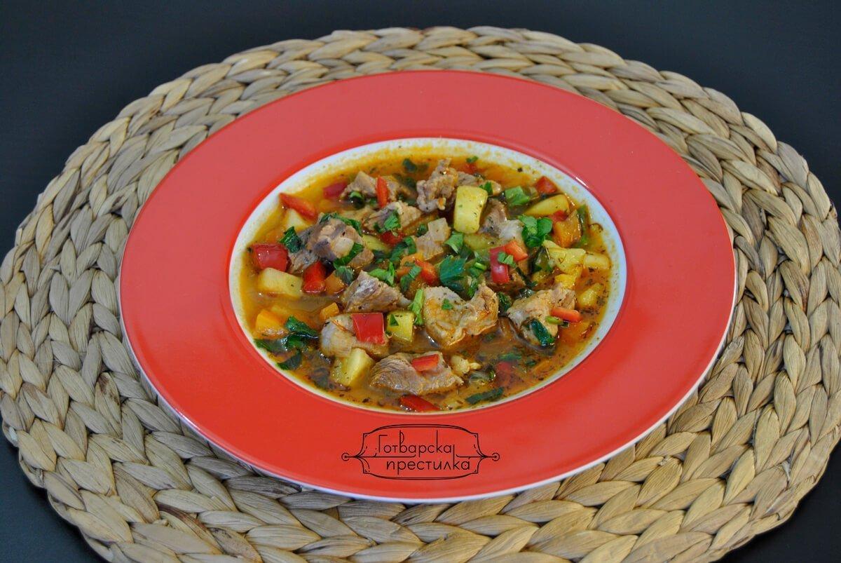Супа от свински късчета и лимец