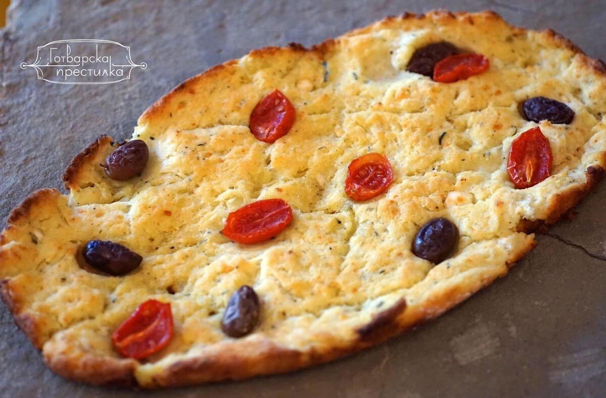 Картофена фокача с чери домати и маслини