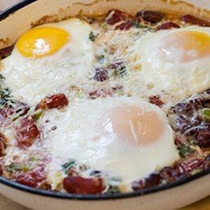 Печени яйца в бобено чили