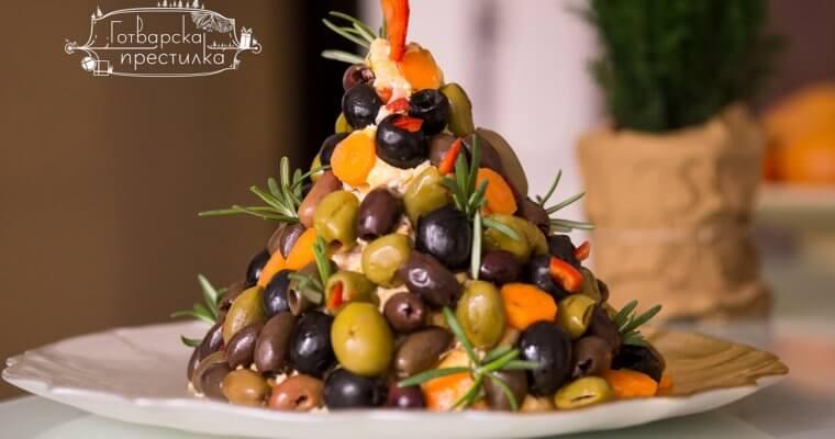 Коледна елхичка от сирена и маслини