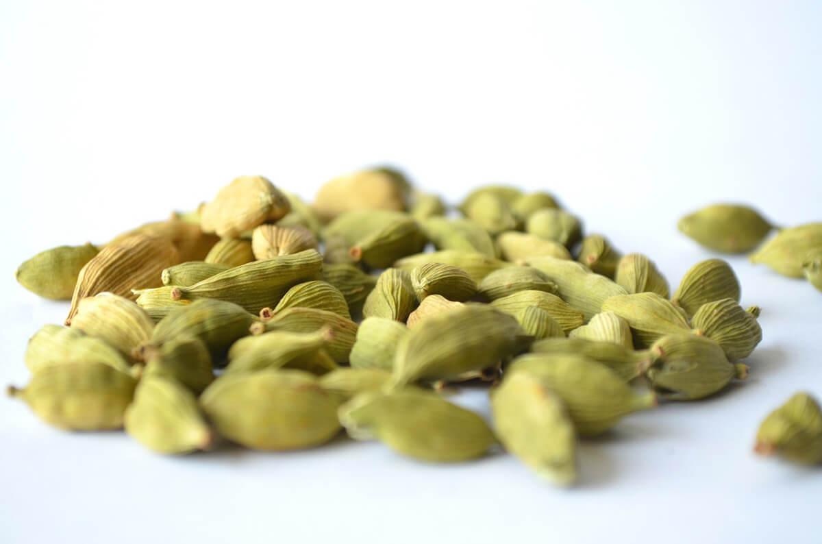 различните видове кардамон - зелен кардамон