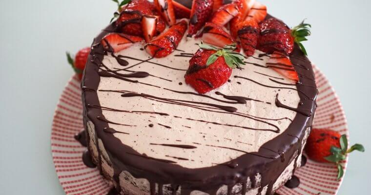 шоколадова торта с крем от Инка и ягоди