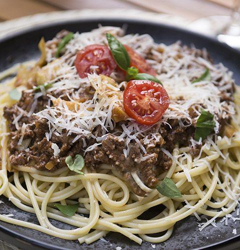 бързи спагети с телешко