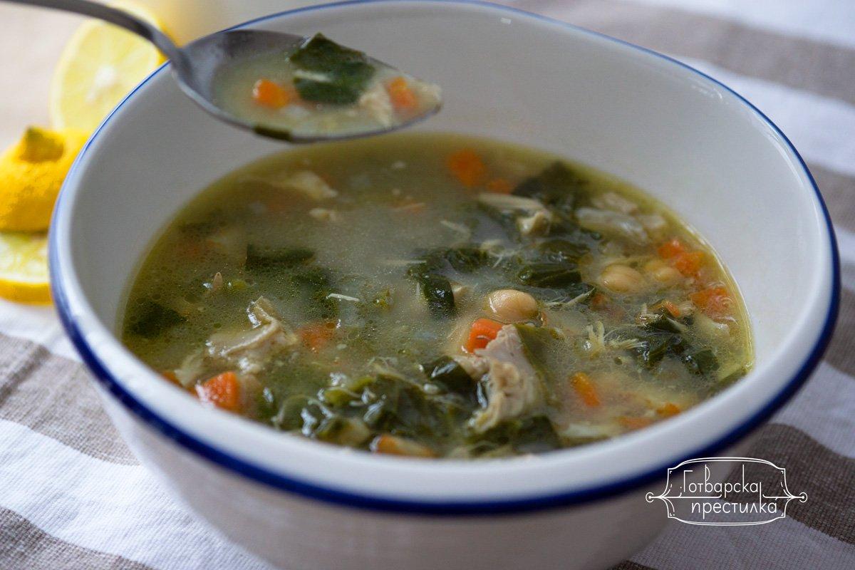 Пилешка супа с нахут и спанак